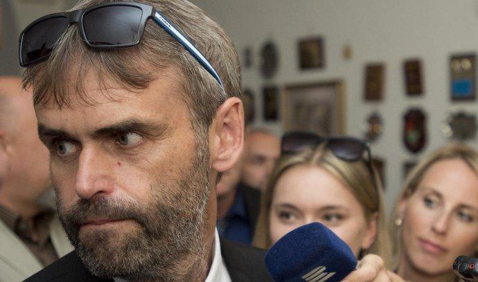 Levicový aktivista poslal na někdejší Šlachtův útvar exekutory