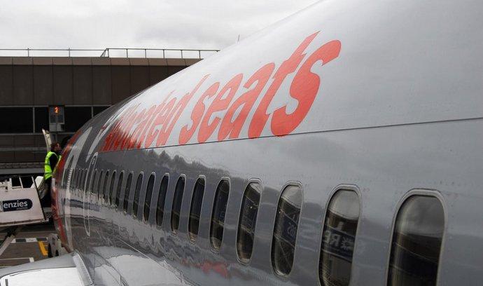 """Britské aerolinky zavádí """"suché"""" lety, zakázaly alkohol na ranních linkách"""