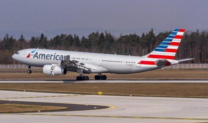 American Airlines pozastavily linky do Paříže, konkurence dál létá