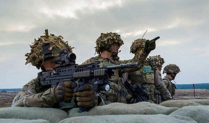 Stoltenberg: Evropské země NATO zastavily pokles výdajů na obranu