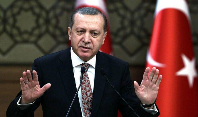 Turecko zadrželo nizozemskou novinářku pro urážku prezidenta
