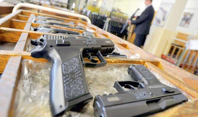 Češi dodají egyptské policii desítky tisíc pistolí