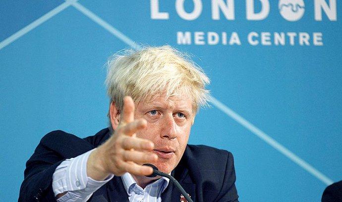 Johnson: Londýn kontroly na irské hranici nikdy neobnoví