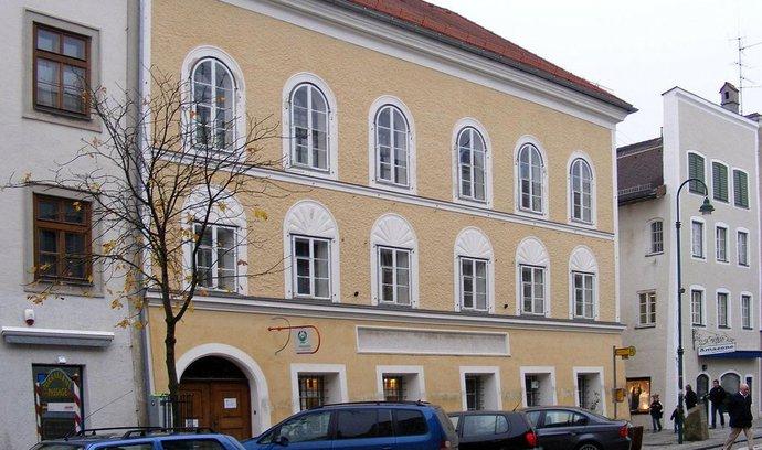 Rakousko po neúspěšném jednání vyvlastní rodný dům Hitlera v Braunau