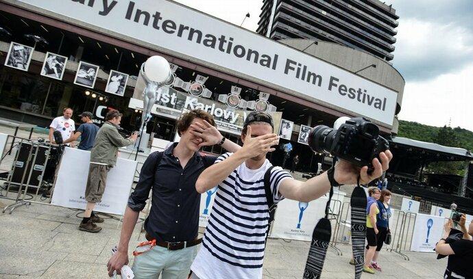 Karlovarský festival bourá bariéry a částečně ztrácí elitářský charakter