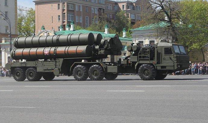 Rusové na Krym přesunuli už druhou jednotku protiraket S-400