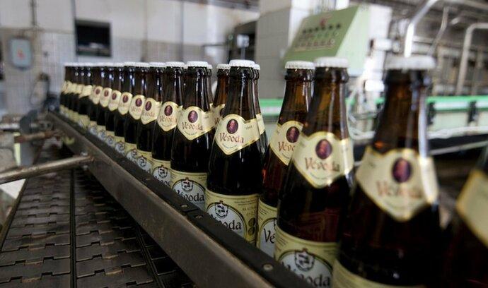 Celníci: Pololetní prodej piva propadl o pětinu
