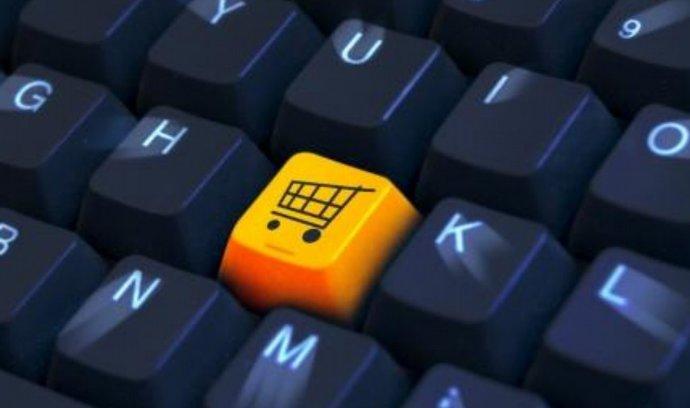 E-shopy po Vánocích vyprodávají zboží s výraznými slevami