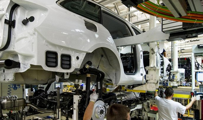 Výroba aut v Česku vzrostla o 12 procent, polepšila si hlavně Škoda