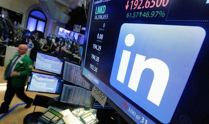 Microsoft nabídl Bruselu ústupky, aby mohl převzít LinkedIn