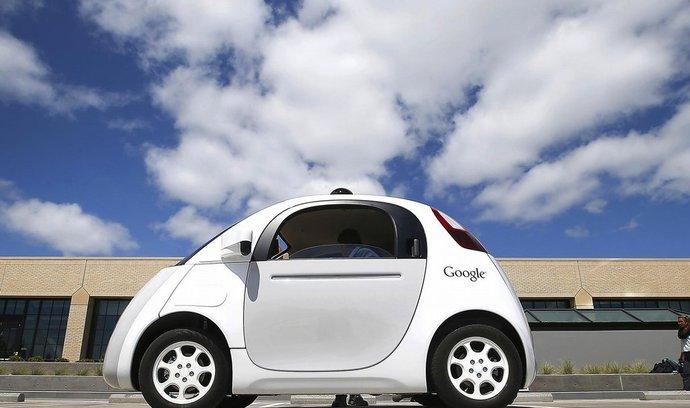 Autonomní vozy připomínají internetovou bublinu z přelomu tisíciletí, varují Financial Times