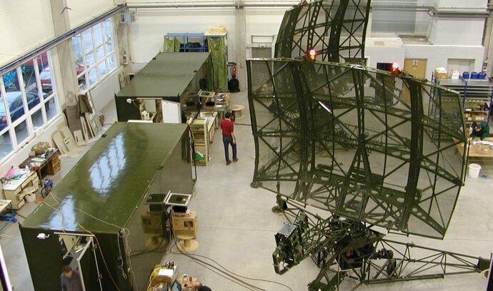 Strnad nakupuje, jeho Czechoslovak Group přebírá pardubického výrobce radarů