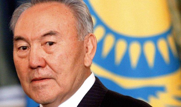 Nazarbajev vyzval Moskvu a Istanbul k urovnání roztržky
