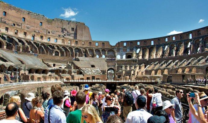 Novela o cestovním ruchu má lépe chránit klienty. Zničí malé cestovky, tvrdí kritici