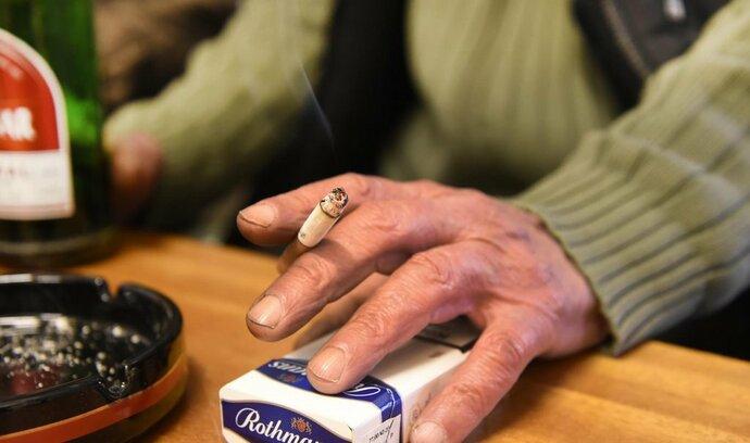 Němeček v pondělí vládě znovu předloží protikuřácký zákon