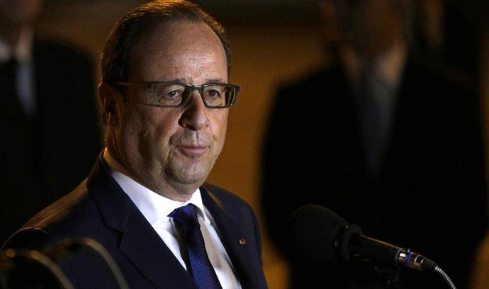 Hollande slíbil Libanonu vojenskou a finanční pomoc