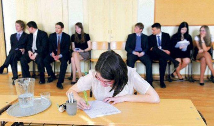 Ministerstvo školství zveřejnilo kompletní znění státních maturit
