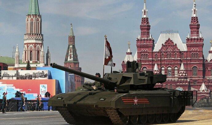 Státy utrácejí za zbrojení nejvíce za 30 let, Rusko zaostává