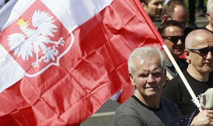 Moody's zhoršila výhled ratingu Polska, výdaje vlády prý ohrožují finance