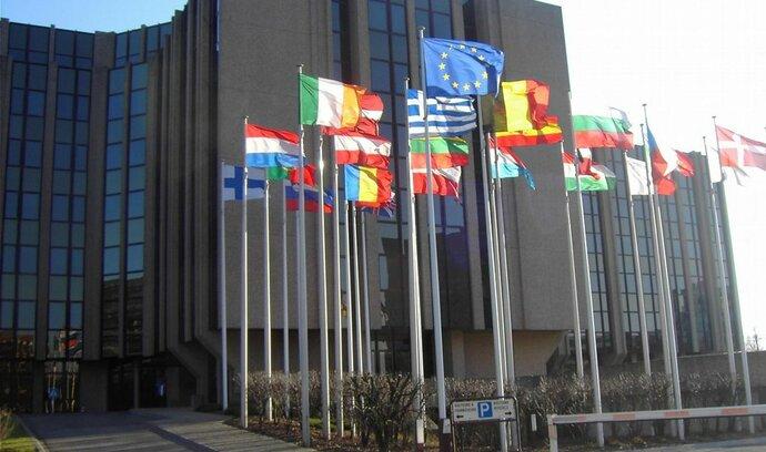 Pozastavte evropské dotace, vyzvali Komisi unijní auditoři
