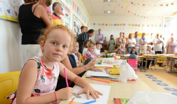 Školné na mezinárodních školách v Česku dosahuje i půl milionu, tuzemští podnikatelé je ale zakládat nemohou