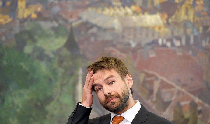 Komentář Dušana Šrámka: Pelikána není třeba litovat