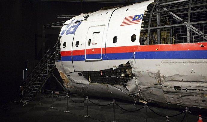 Sestřelení malajsijského boeingu měla zamaskovat pokažená pitva pilota