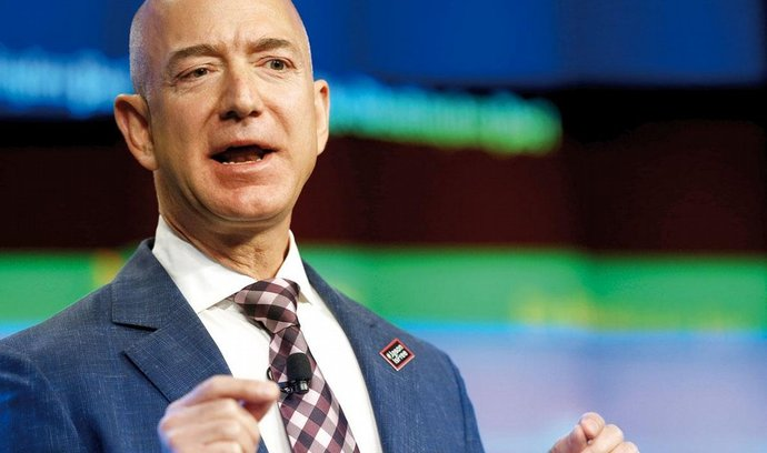 Zakladatel Amazonu už je nejbohatší člověk na světě