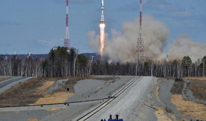 Z kosmodromu Vostočnyj úspěšně odstartovala první raketa. Napodruhé