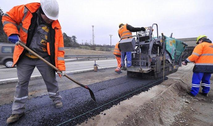 Problémy s EIA čerpání dotací na dopravní stavby nezastaví, tvrdí Ťok