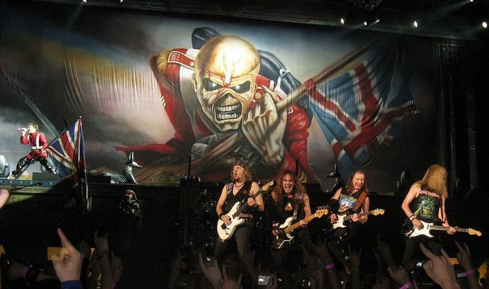 Warner Music se vrací do Česka, sází na Iron Maiden i klasiku