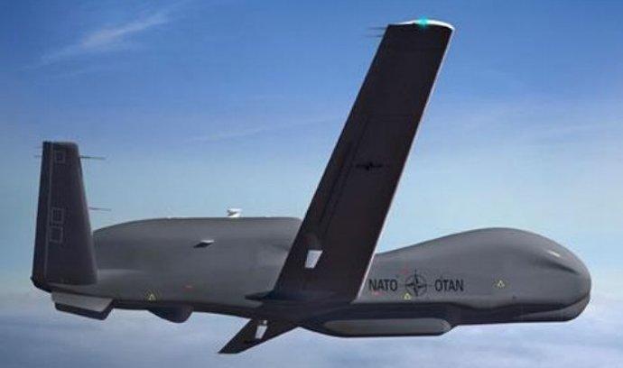 NATO koupí bezpilotní letouny Global Hawk