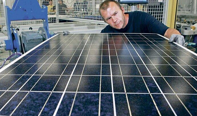 Nový solární boom budou v Česku řídit velké energetiky