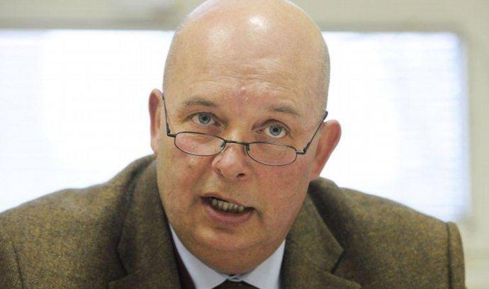 Zemanovci mají zřejmě dalšího ministra do voleb, Toman zvažuje kandidaturu