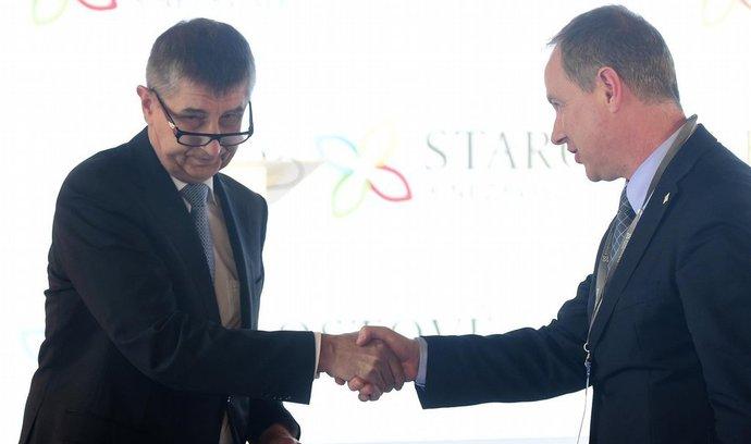 Námluvy začaly, o spolupráci se STAN usilují i vládní strany
