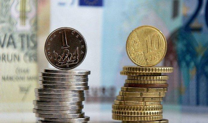 Průměrná mzda Slováků prudce roste, nechtějí už pracovat v Česku