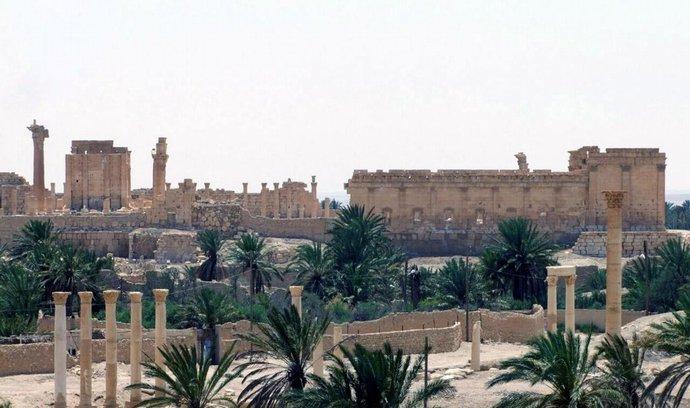 """Památky v Syrské Palmýře jsou podminované. IS drží město jako """"rukojmí"""""""