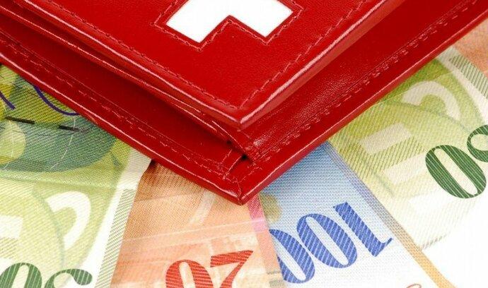 Švýcarsko rozdělil revoluční mzdový plán