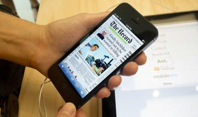 Z mobilů jsou nejnavštěvovanější zpravodajské a horizontální servery