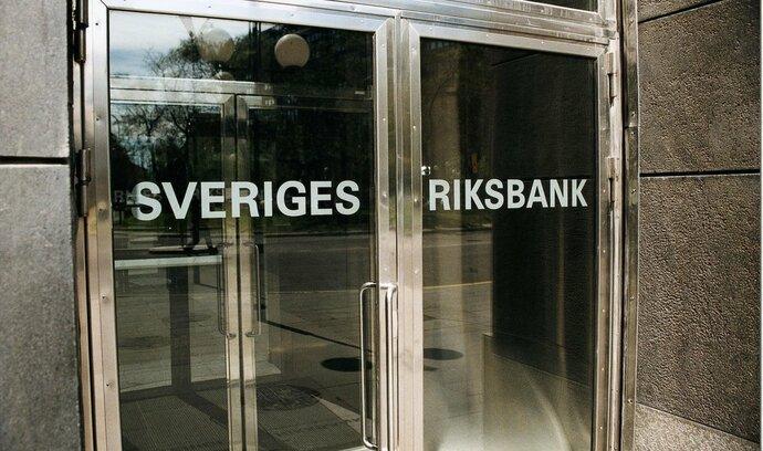 Švédsko snížilo úroky hlouběji do záporného pásma