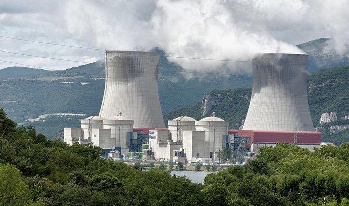Megaobchod na lince Paříž - Rijád: Saudové kupují jaderné reaktory