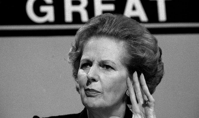 Vstoupila do hospodářských dějin 20. století, chválí Thatcherovou ekonomové