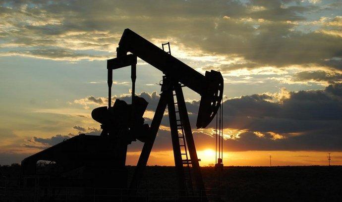 Světová banka: Levnější ropa prospěje většině zemí, které ji dovážejí