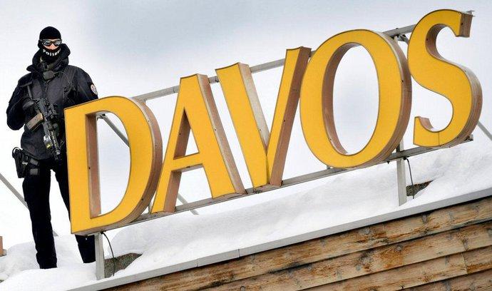 Cameronova izolace, Děripaskův plnovous, Coelhova moudra. To byl 1. den v Davosu