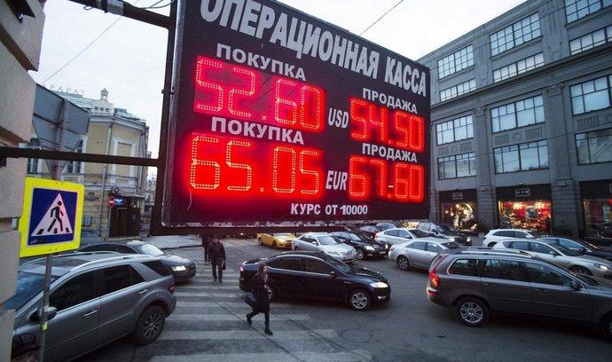 Akcie, měny & názory Jana Vejmělka: Červen rublu nepřeje