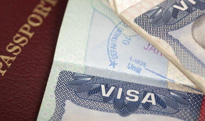 Stát letos za česká víza získá rekordní sumu. Do Česka míří hlavně Rusové