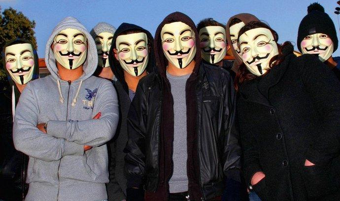 Anonymous: Nejsme teroristé. Jen demonstrujeme ve virtuálním prostoru
