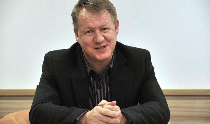 Šéf Homolky Šetlík rezignoval, Němeček ho nahradil průmyslníkem Olivou