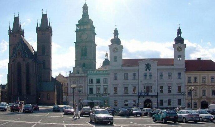 Východní Čechy: nováčci jdou po hlasech zavedených politiků