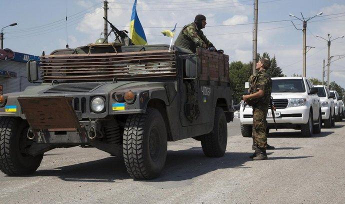 Ukrajinská armáda je pod tlakem. Opouští své pozice